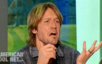Keith Urban making faces on American Idol