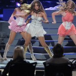 JLo performs on American Idol