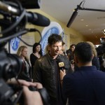Harry Connick Jr jokes with reporters