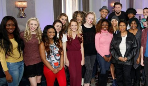 Aretha Franklin with American Idol Top 24 girls