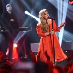 Kelly Clarkson performs on American Idol 2015