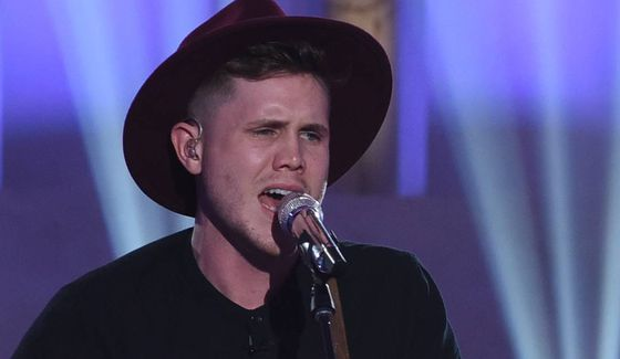 Trent Harmon sings on Idol's Top 24